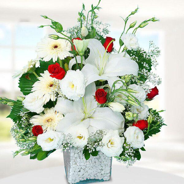 Kırıkkale Beyaz Lilyum Gerbera ve Güller