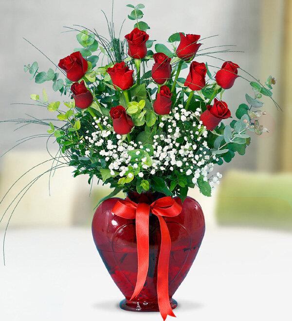 Kırıkkale Kalpli Vazoda 11 Kırmızı Gül
