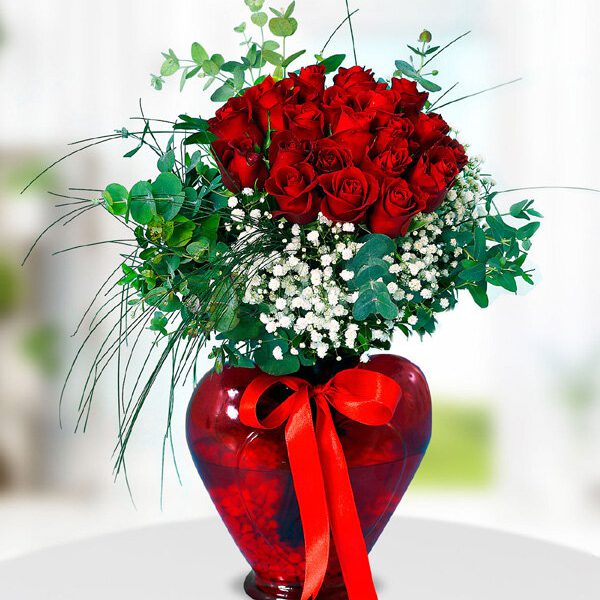 Kırıkkale Kalpli Vazoda 20 Kırmızı Gül