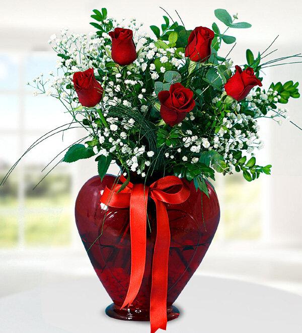 Kırıkkale Kalpli Vazoda 5 Kırmızı Gül