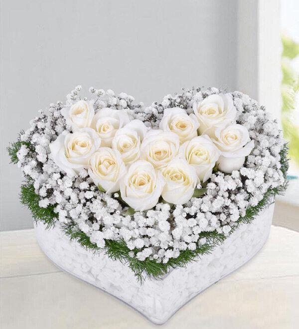 Kırıkkale Kalpte Beyaz Güller