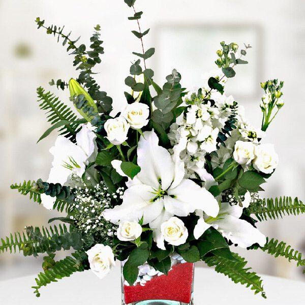 Kırıkkale Kare Camda Beyaz Lilyum Gül