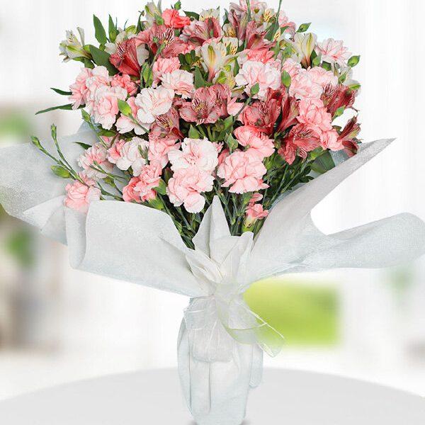 Kırıkkale Pembe Karanfiller ve Kır Çiçekleri