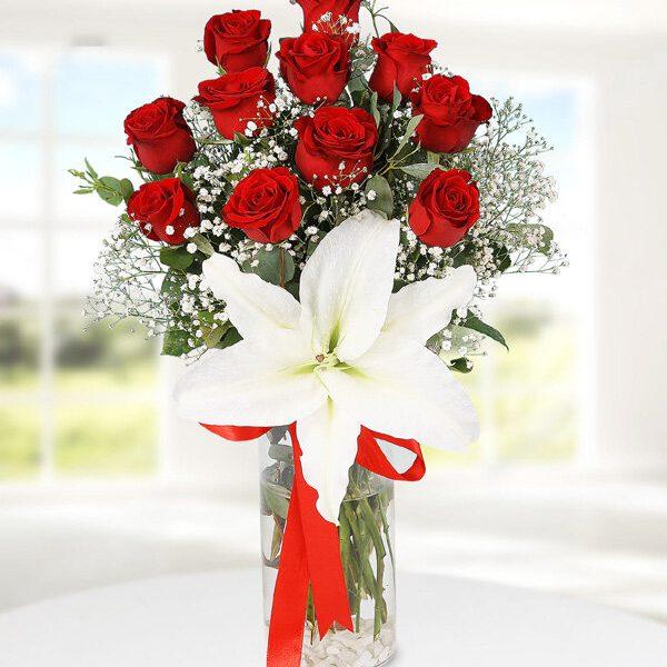 Kırıkkale Vazoda Kırmızı Güller ve Lilyum