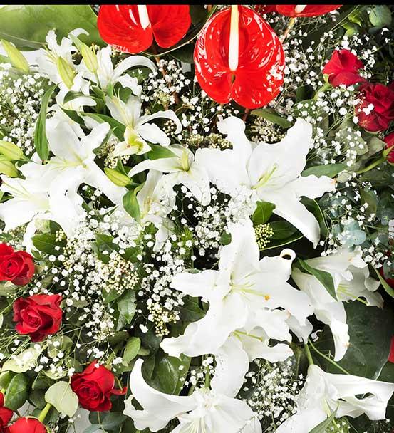 Gösterişli Kutlama Ferforje Çiçek Aranjmanı