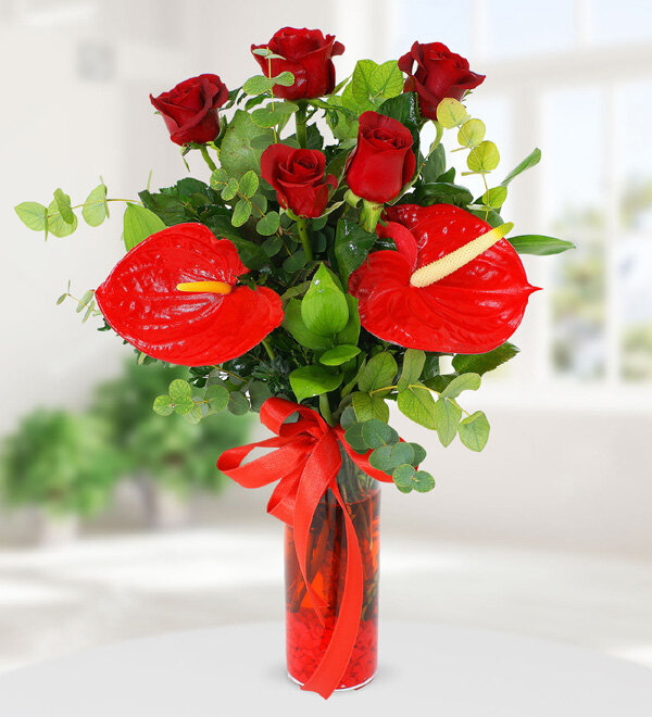 Vazoda Kırmızı Antoryum ve Güller, Kırıkkale Çiçek, Kırıkkale Çiçekçi